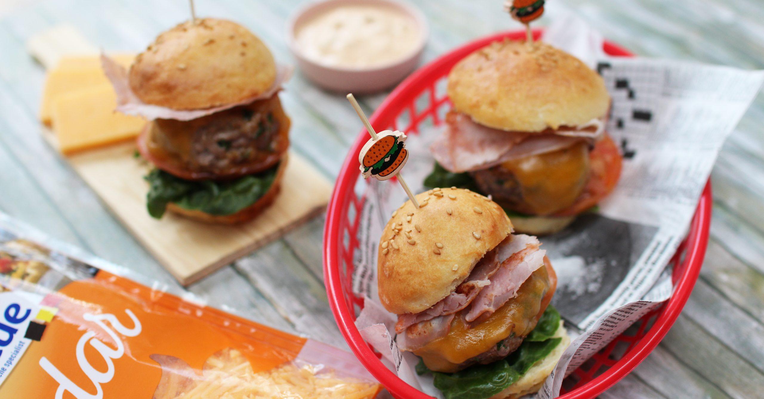 mini burgers au cheddar-VACHE BLEUE-1200x628